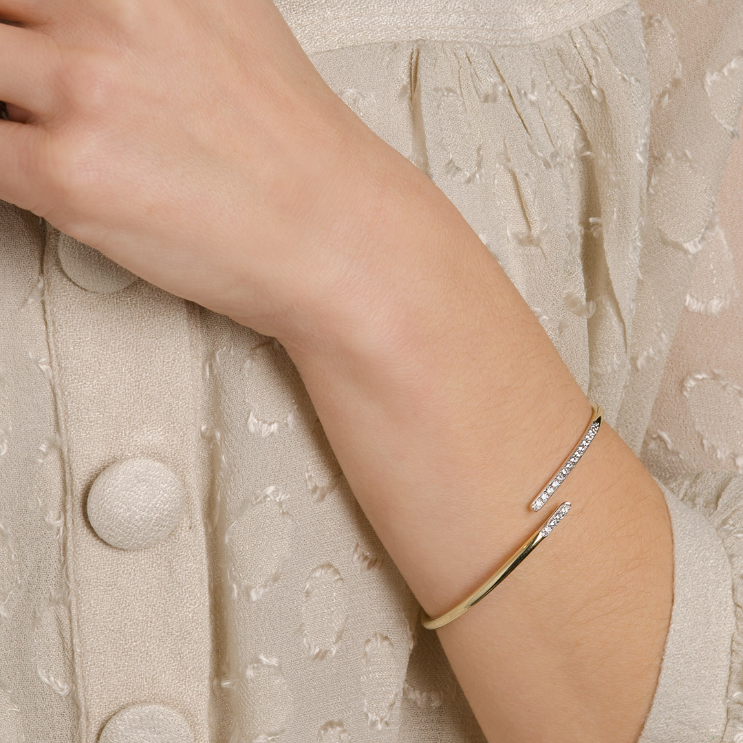 gold-bangle-cuff-bracelet-012846_a.jpg_product_product_product