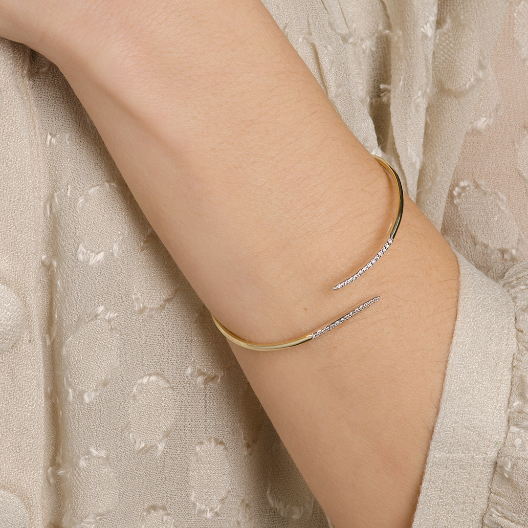 gold-bangle-bracelet-013275_a.jpg_product