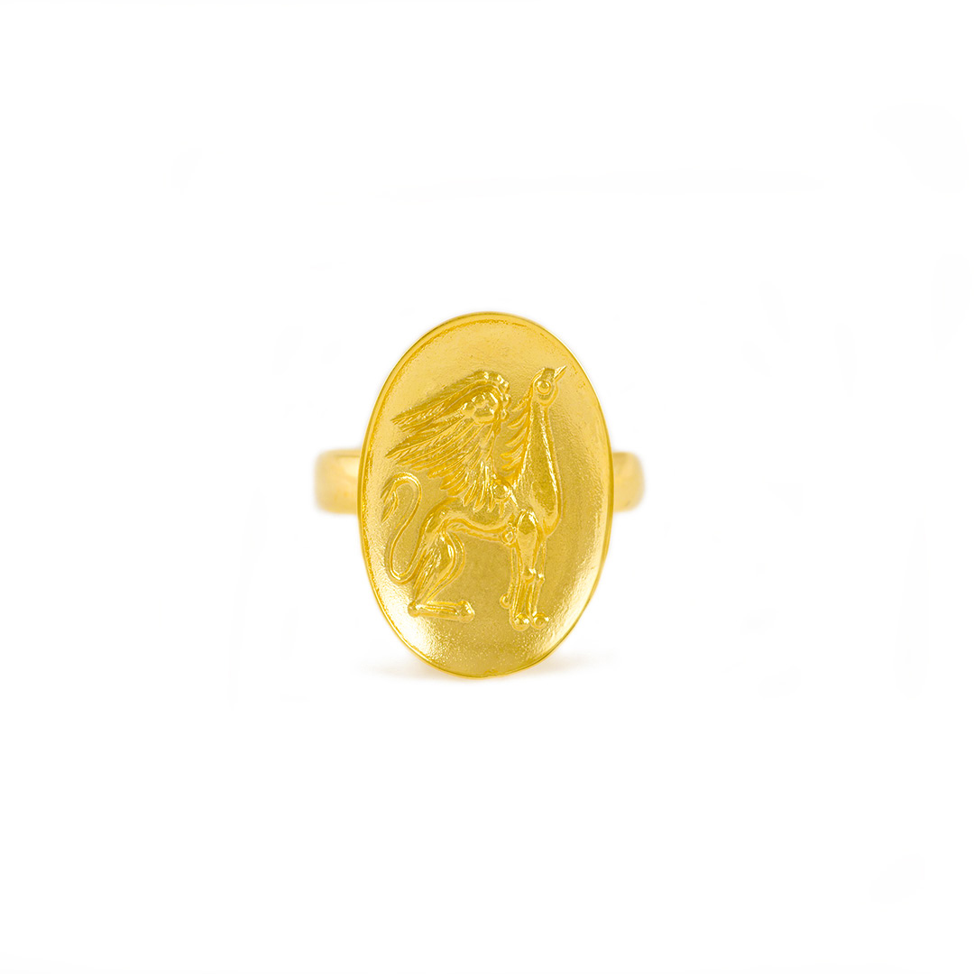 gold-signet-griffin-ring-014192_C.jpg_product