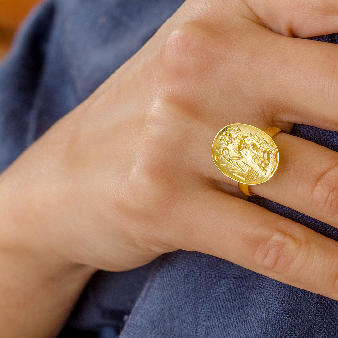 gold-signet-snake-goddess-ring-014193_C.jpg_product_product_product