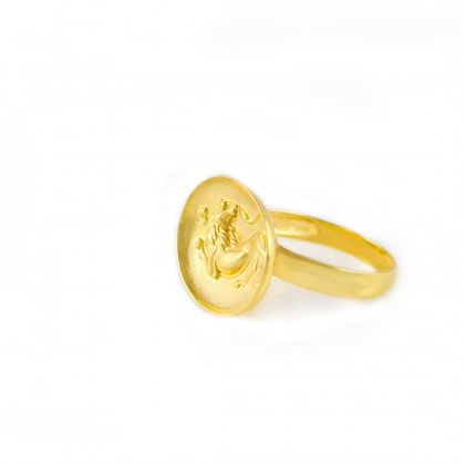 gold-signet-ring-lion